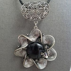 Jewelry - GB Signed Vintage Large Spider Flower Pendant